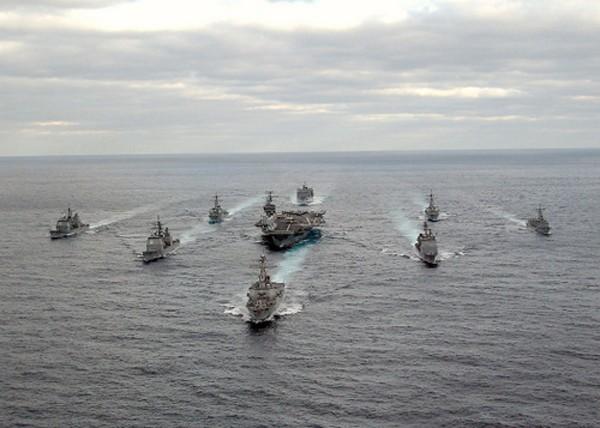 Cụm tàu sân bay Liêu Ninh khó giúp Trung Quốc ganh đua biển lớn với Mỹ - ảnh 1