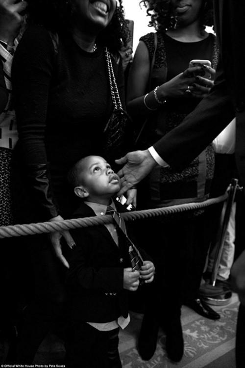 Những khoảnh khắc đáng nhớ cuối cùng của Obama ở Nhà Trắng - ảnh 5