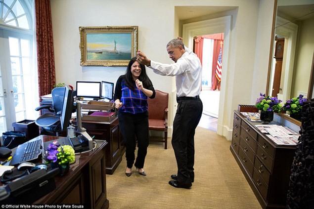 Những khoảnh khắc đáng nhớ cuối cùng của Obama ở Nhà Trắng - ảnh 8