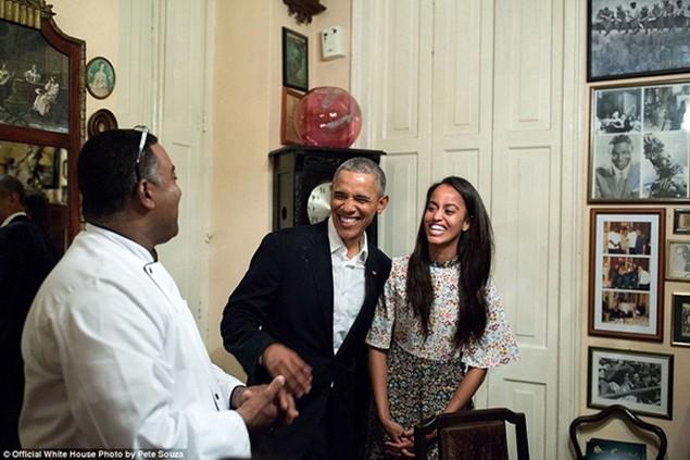 Những khoảnh khắc đáng nhớ cuối cùng của Obama ở Nhà Trắng - ảnh 9