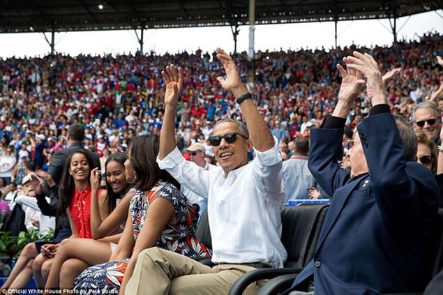 Những khoảnh khắc đáng nhớ cuối cùng của Obama ở Nhà Trắng - ảnh 10