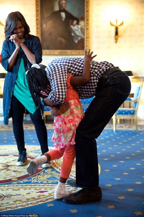 Những khoảnh khắc đáng nhớ cuối cùng của Obama ở Nhà Trắng - ảnh 12