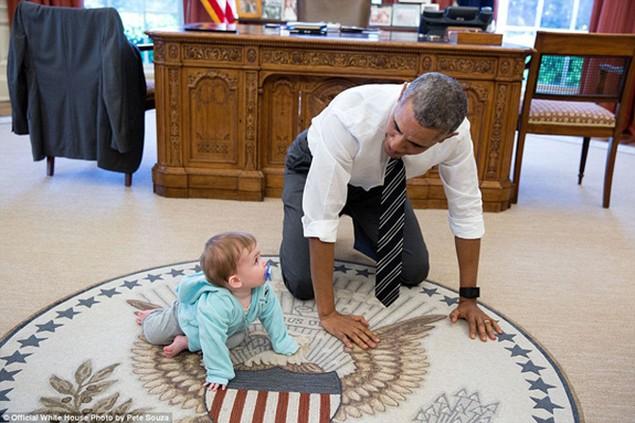 Những khoảnh khắc đáng nhớ cuối cùng của Obama ở Nhà Trắng - ảnh 13