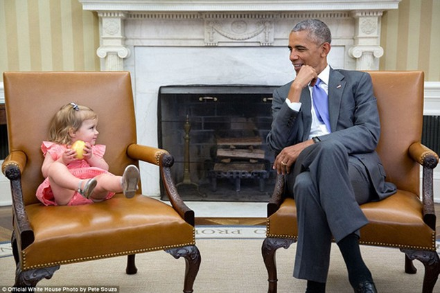 Những khoảnh khắc đáng nhớ cuối cùng của Obama ở Nhà Trắng - ảnh 16
