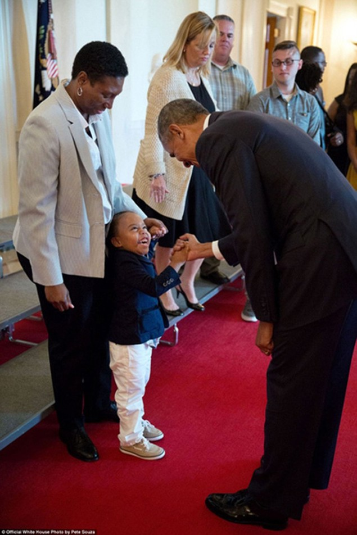 Những khoảnh khắc đáng nhớ cuối cùng của Obama ở Nhà Trắng - ảnh 17