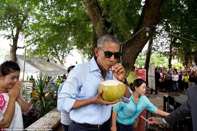Những khoảnh khắc đáng nhớ cuối cùng của Obama ở Nhà Trắng - ảnh 21