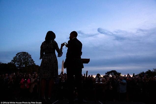 Những khoảnh khắc đáng nhớ cuối cùng của Obama ở Nhà Trắng - ảnh 24