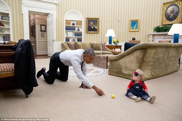 Những khoảnh khắc đáng nhớ cuối cùng của Obama ở Nhà Trắng - ảnh 26