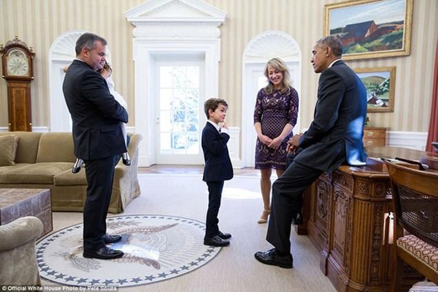 Những khoảnh khắc đáng nhớ cuối cùng của Obama ở Nhà Trắng - ảnh 28