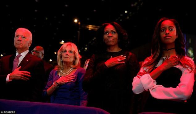 Những hình ảnh khó quên tại buổi lễ chia tay của Tổng thống Obama - ảnh 2