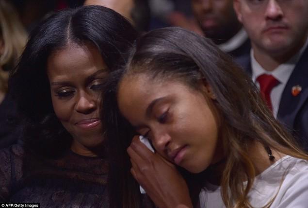Những hình ảnh khó quên tại buổi lễ chia tay của Tổng thống Obama - ảnh 6
