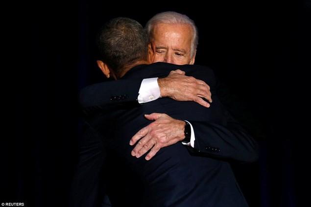 Những hình ảnh khó quên tại buổi lễ chia tay của Tổng thống Obama - ảnh 9
