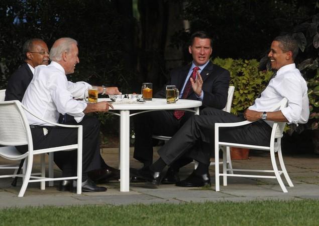 Những khoảnh khắc đáng nhớ của Phó Tổng thống Mỹ Biden - ảnh 4