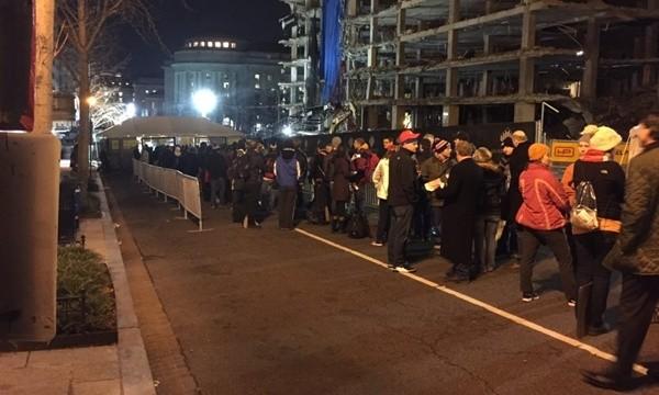 Biển người đổ về Washington xem lễ nhậm chức của Tổng thống đắc cử Trump - ảnh 1