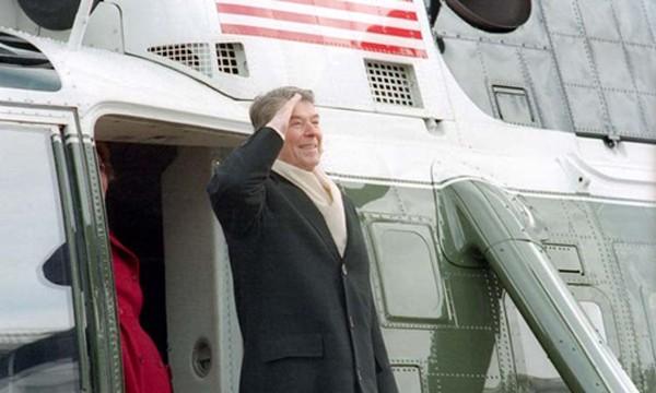 Chuyến bay từ biệt Nhà Trắng của các cựu tổng thống Mỹ - ảnh 1