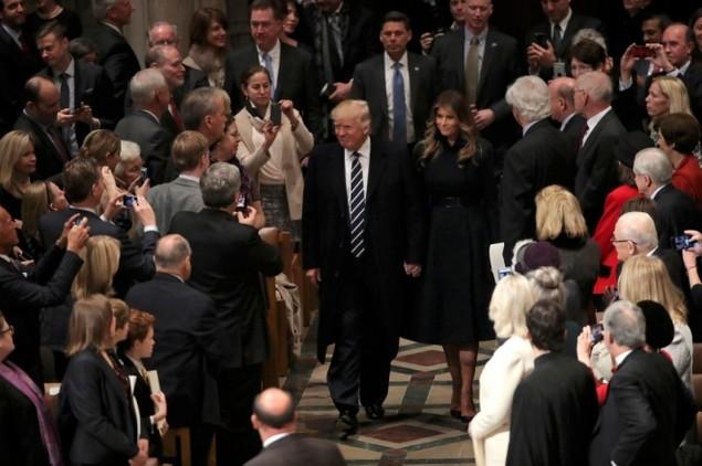 Tổng thống Trump dự lễ cầu nguyện tại nhà thờ - ảnh 3