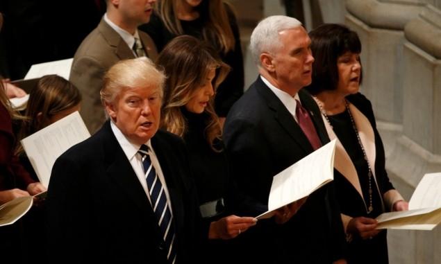 Tổng thống Trump dự lễ cầu nguyện tại nhà thờ - ảnh 9