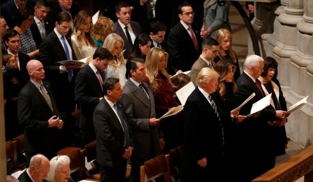 Tổng thống Trump dự lễ cầu nguyện tại nhà thờ - ảnh 10