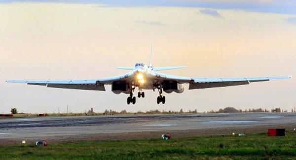 'Thiên nga trắng' Tu-160 Nga được trang bị lá chắn tên lửa - ảnh 1