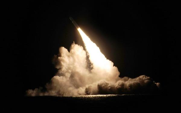 Mỹ hé lộ thông tin vụ tàu ngầm Anh phóng nhầm tên lửa hạt nhân - ảnh 1