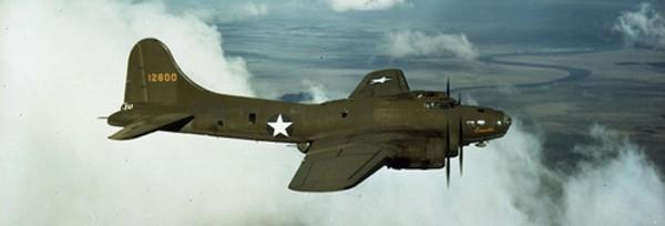 Trận xa luân chiến giữa oanh tạc cơ Mỹ và 17 tiêm kích Nhật - ảnh 1