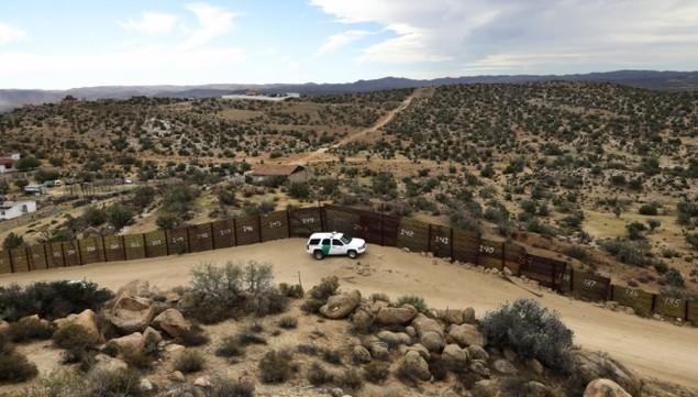 Biên giới Mỹ - Mexico trước khi Trump quyết định dựng tường chắn - ảnh 5