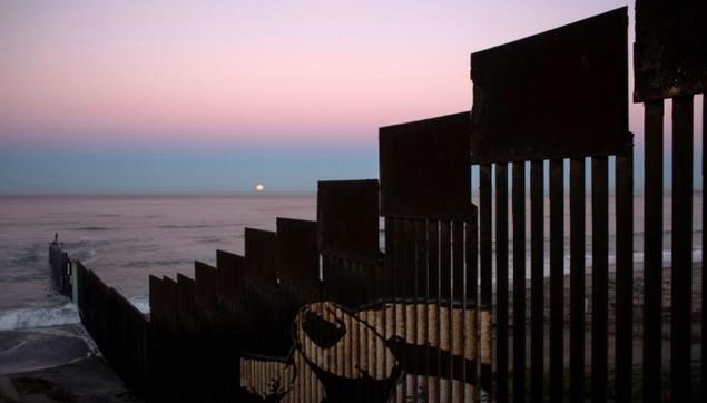 Biên giới Mỹ - Mexico trước khi Trump quyết định dựng tường chắn - ảnh 6