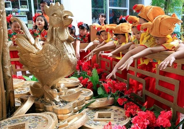 Châu Á trang hoàng đón Tết Đinh Dậu - ảnh 1