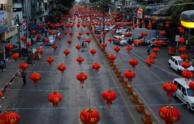 Châu Á trang hoàng đón Tết Đinh Dậu - ảnh 7