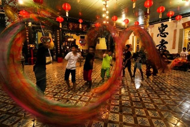 Châu Á trang hoàng đón Tết Đinh Dậu - ảnh 10
