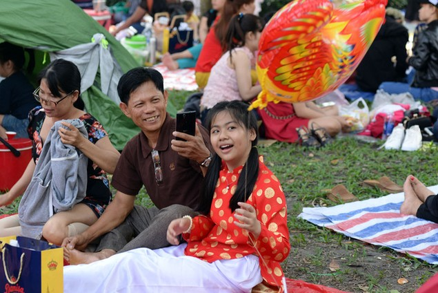Khu vui chơi ở Sài Gòn đông nghịt người du xuân, vãn cảnh... - ảnh 6