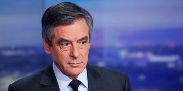 Ứng viên tổng thống Pháp bị tố trả lương khống cho vợ - ảnh 1