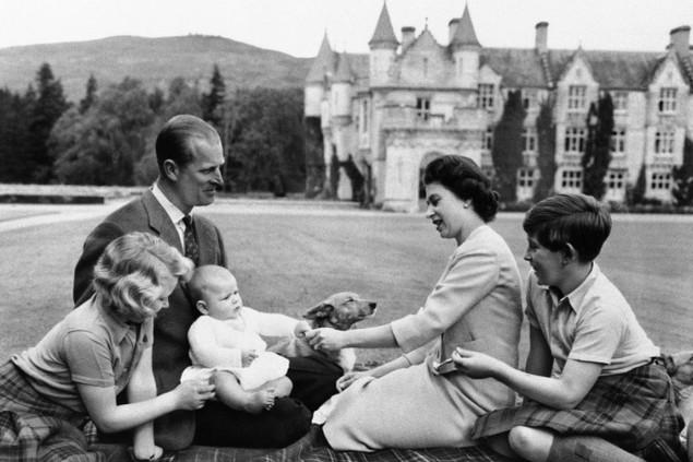 Những khoảnh khắc ấn tượng trong 65 năm trị vì của Nữ hoàng Anh - ảnh 5