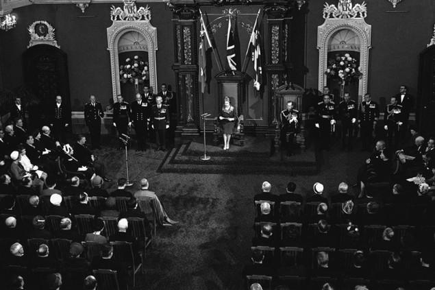 Những khoảnh khắc ấn tượng trong 65 năm trị vì của Nữ hoàng Anh - ảnh 8