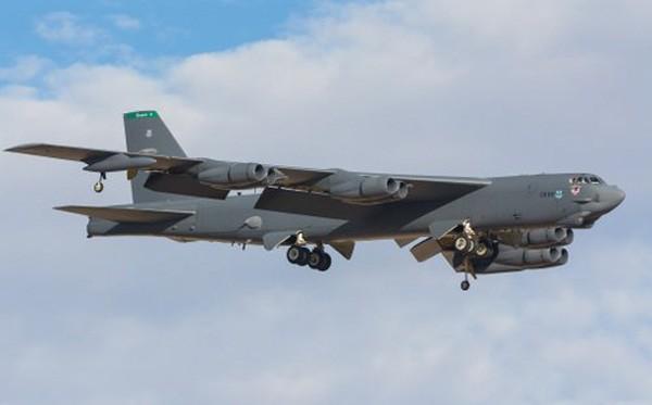 Mỹ không có tiền mua động cơ mới cho máy bay B-52 - ảnh 1