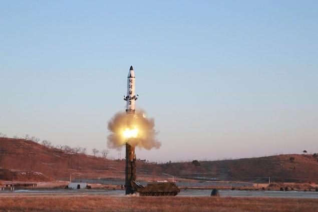 Tham vọng hạt nhân của Triều Tiên làm dậy sóng thế giới - ảnh 1