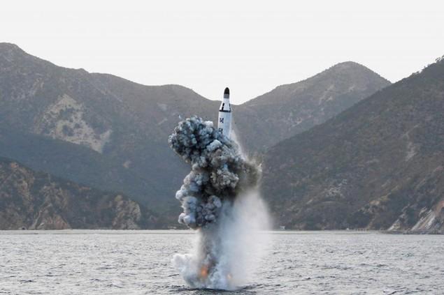 Tham vọng hạt nhân của Triều Tiên làm dậy sóng thế giới - ảnh 10