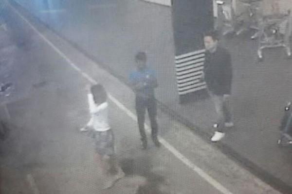 Nhóm nghi phạm sát hại Kim Jong-nam thám thính sân bay trước khi ra tay - ảnh 1