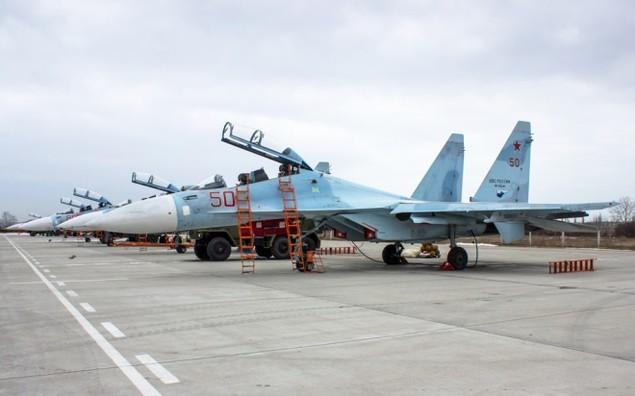 Tiêm kích Su-30 Nga tập luyện tiếp dầu trên không - ảnh 1