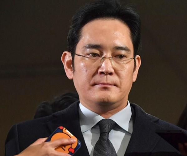 Forbes: Samsung vẫn sẽ ổn khi người thừa kế bị bắt - ảnh 1
