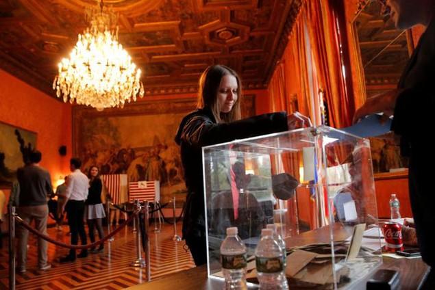 Toàn cảnh nước Pháp trong ngày bỏ phiếu bầu tổng thống - ảnh 6