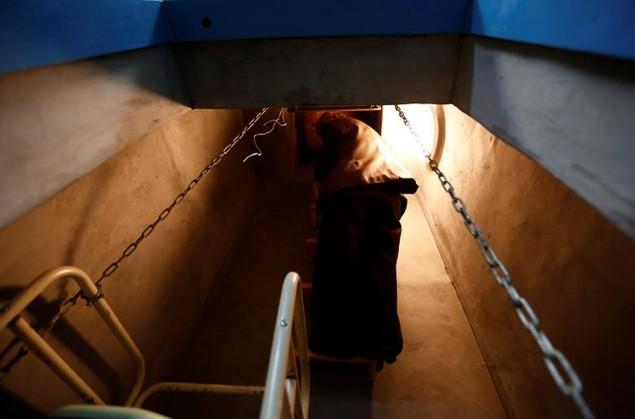 Bên trong hầm tránh bom hạt nhân ở Nhật Bản - ảnh 16