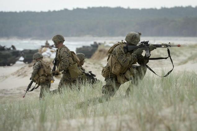 Nga từng nhiều lần lên tiếng phản đối Mỹ và các nước đồng minh NATO phô diễn sức mạnh quân sự ở khu vực sát sườn Nga. Moscow cho rằng đây là động thái gây căng thẳng trong khu vực. (Ảnh: REX)