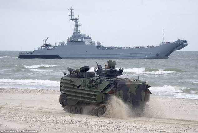 Mục đích của cuộc tập trận là nhằm nâng cao khả năng phối hợp tác chiến của quân đội các nước trong liên minh quân sự NATO. (Ảnh: REX)