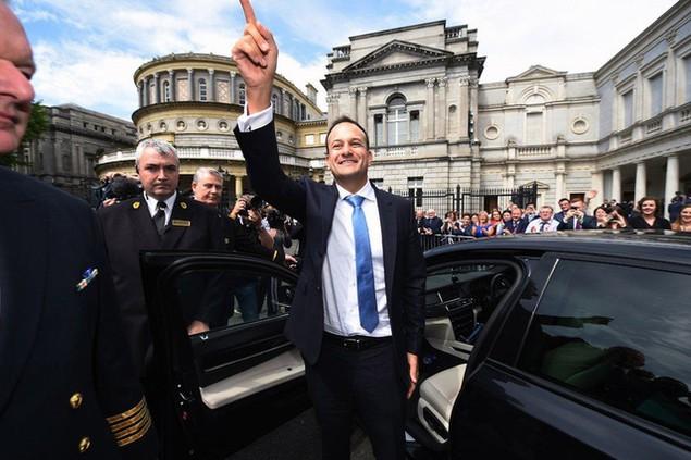 Ông Leo Varadkar, 38 tuổi, trở thành thủ tướng trẻ nhất và đồng tính đầu tiên của Ireland (Ảnh: Getty)