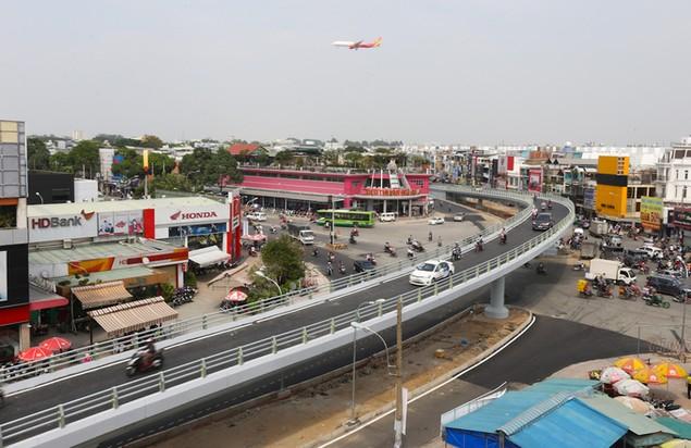 Những cây cầu uốn lượn giải tỏa ùn tắc ở TP HCM - ảnh 8