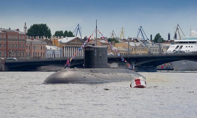 Tàu chiến, máy bay Nga duyệt binh trong Ngày Hải quân - ảnh 4