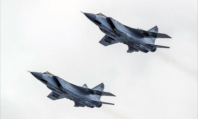 Tàu chiến, máy bay Nga duyệt binh trong Ngày Hải quân - ảnh 9