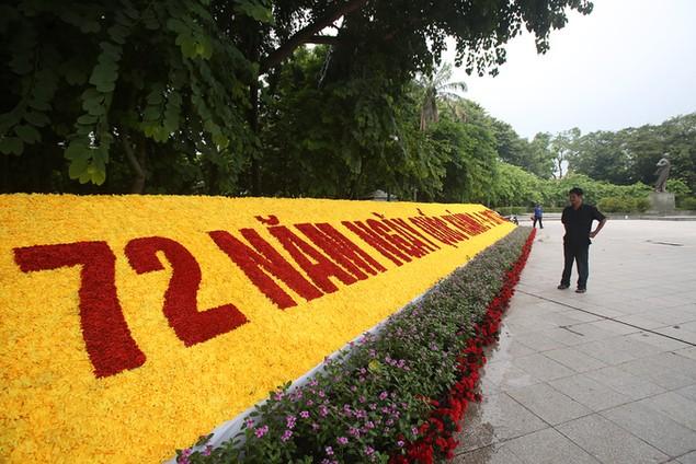 Hà Nội trang hoàng cờ hoa trước ngày Quốc khánh - ảnh 2
